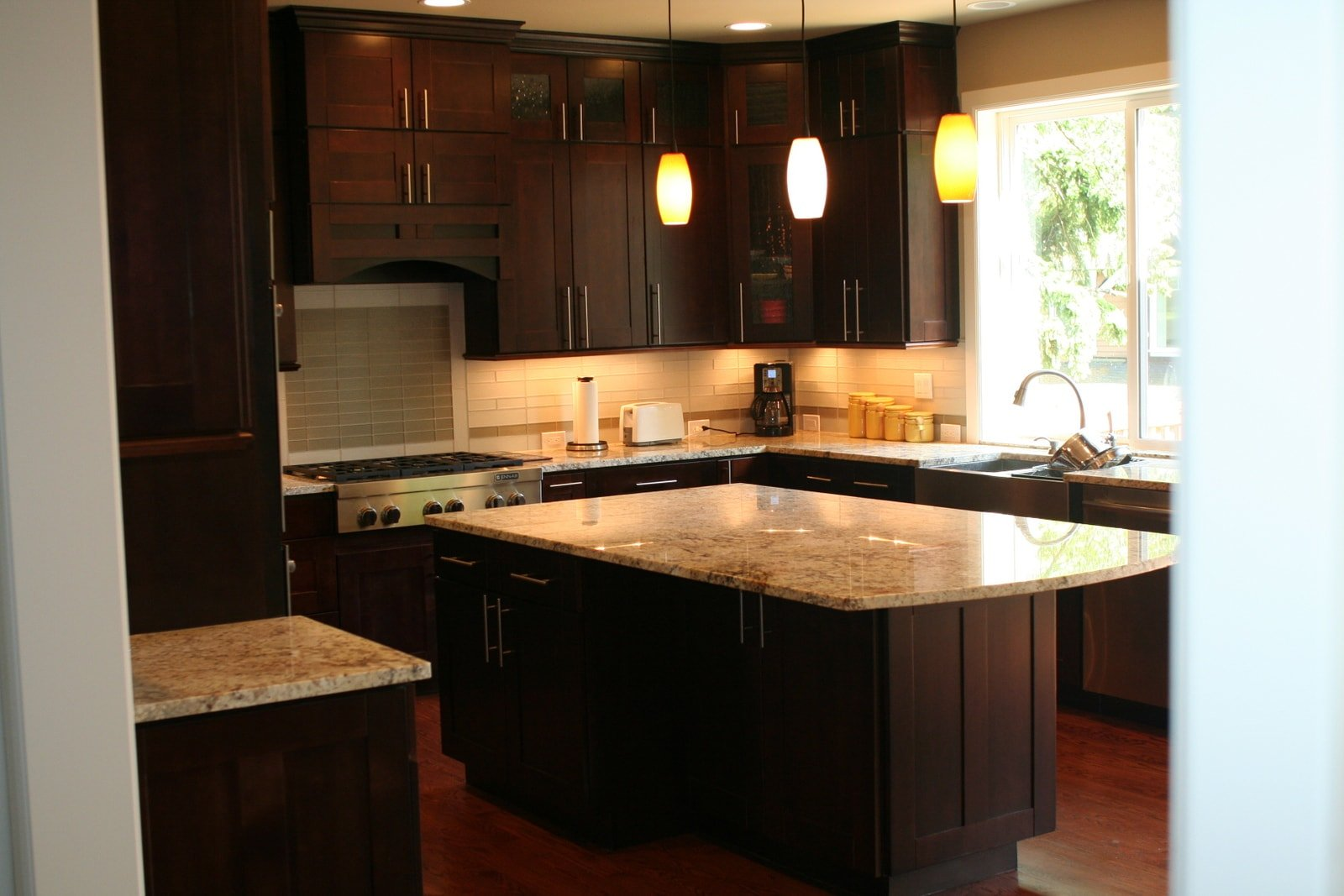 Expresso Kitchen Cabinets White Kitchen Cabinets Or Espresso Quicuacom