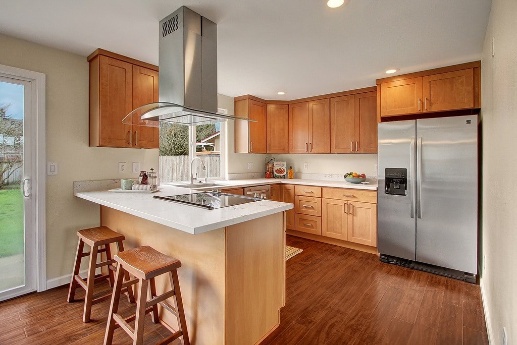 Maple Cabinets Quartz Countertops #AX67 - Roccommunity on Best Granite Color For Maple Cabinets  id=56078