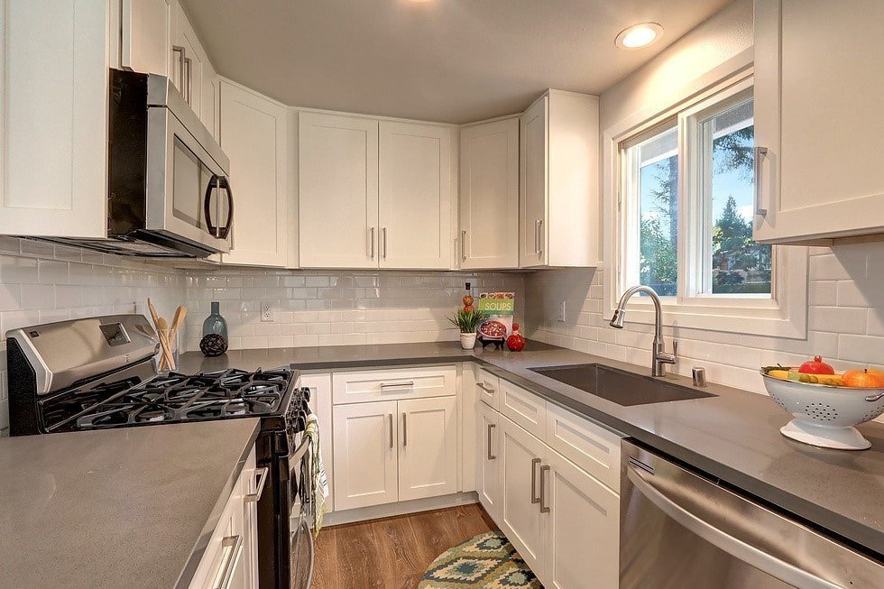 Linen White Shaker Kitchen With